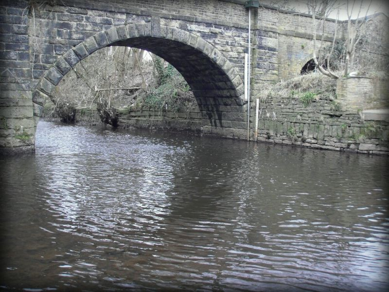 Copley Bridge, River Calder ©Jonothan Hoyle